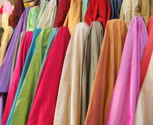 fabrics-250330_640